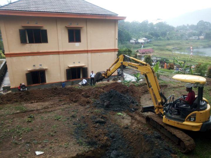 Pengerukan Tanah Lahan Untuk Pembangunan Masjid Al Hilal 1