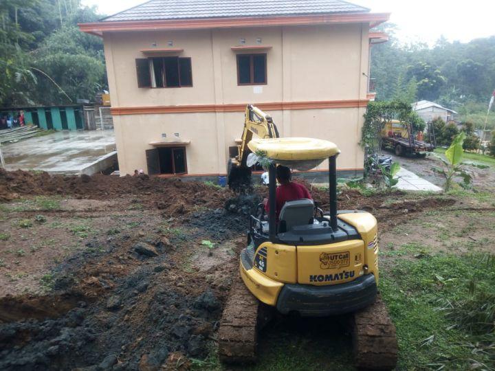 Pengerukan Tanah Lahan Untuk Pembangunan Masjid Al Hilal 11
