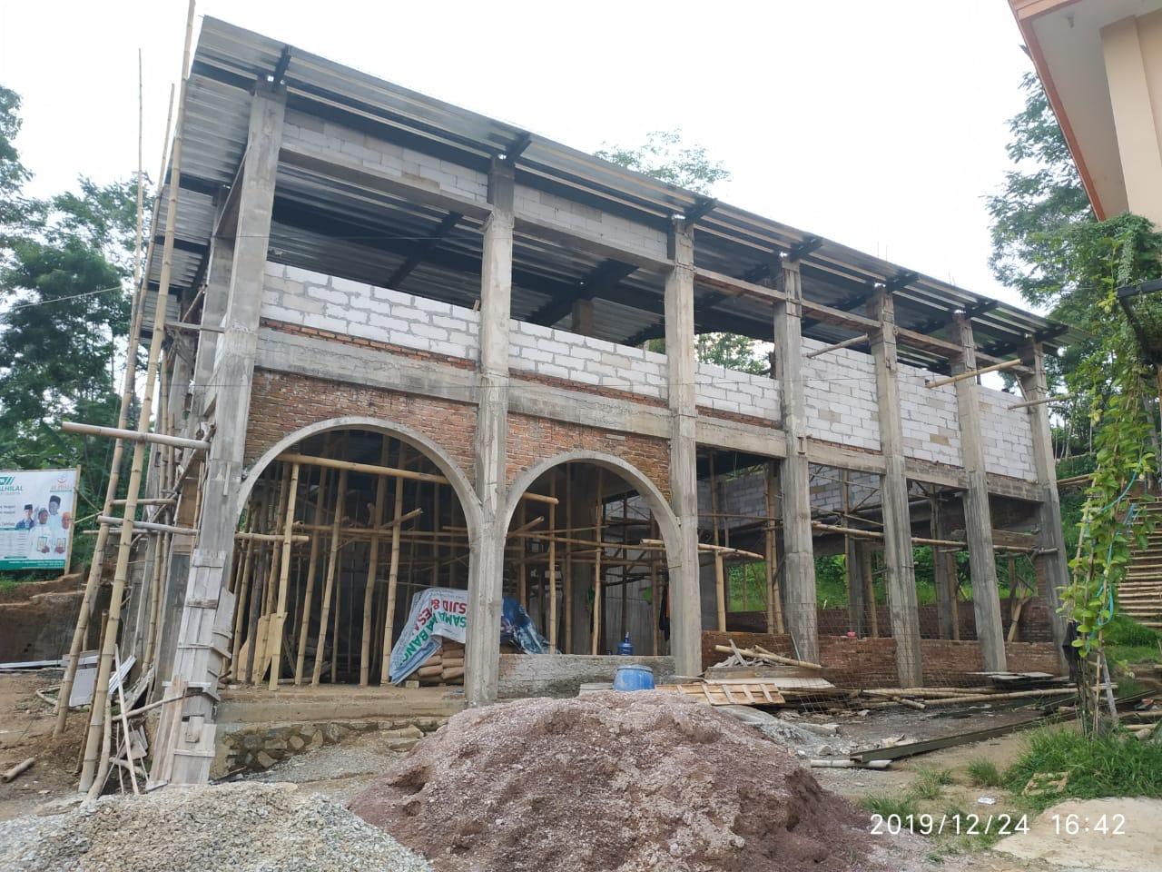 Laporan Keuangan dan Progres Pembangunan Masjid Pesantren al-Hilal 13