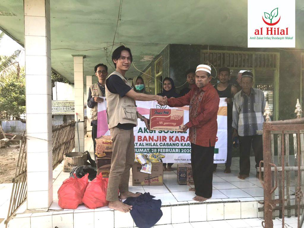 Komunitas Al-hilal Karawang Peduli Korban Banjir Desa Karangligar 1