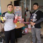 Pembagian Hand Sanitizer oleh LAZ al-Hilal Masih Berlanjut