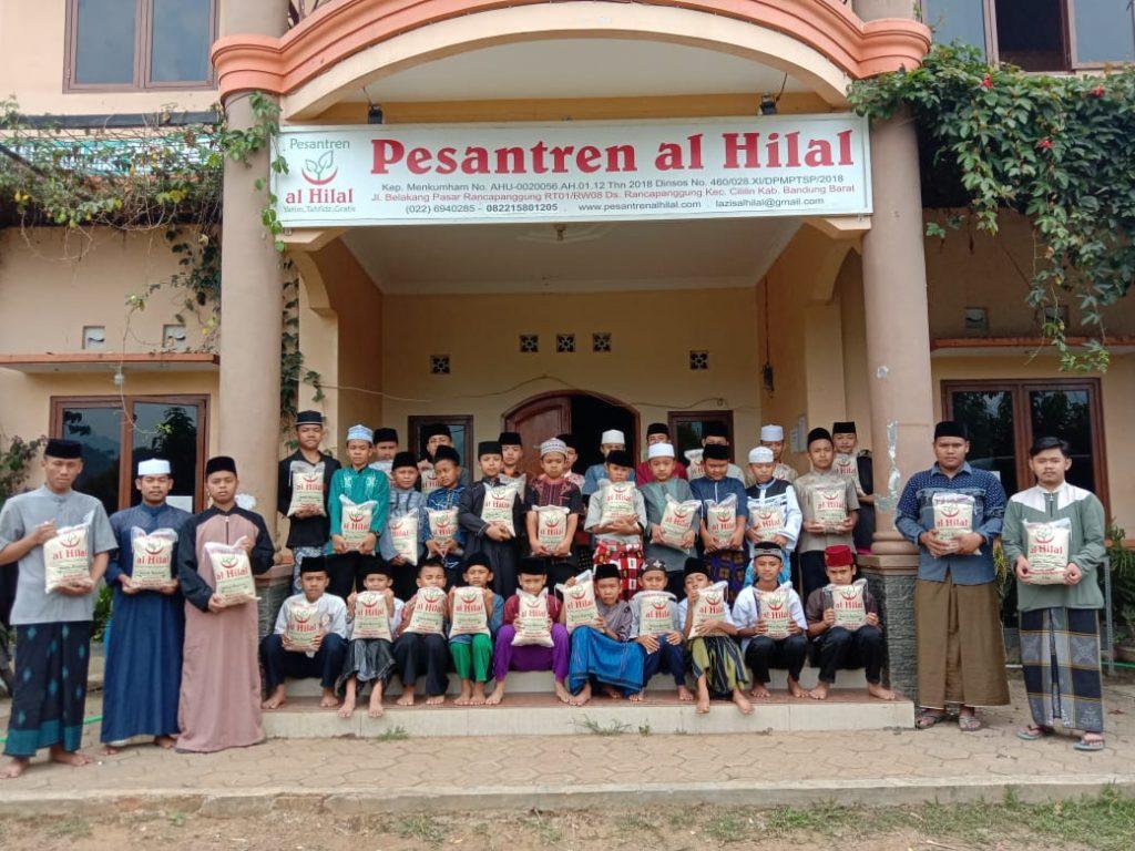 Guru ngaji dan Anak Yatim terbantu dengan program 50 Ton Beras 