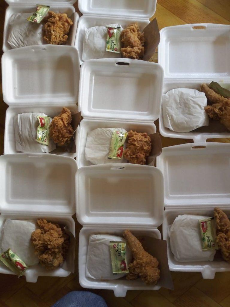 Pembagian Nasi Jumat berkah untuk Dhuafa Dan para Jompo Bersama Komunitas Al-Hilal Cabang Sumedang 4
