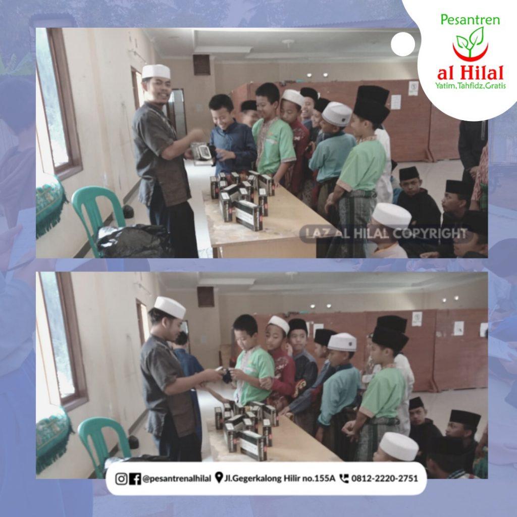 """PESANTREN AL HILAL Program Santri Sehat """"Pembagian CD"""" 1"""