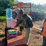 Air Minum Gratis Untuk Pengunjung dan Pedagang Pasar