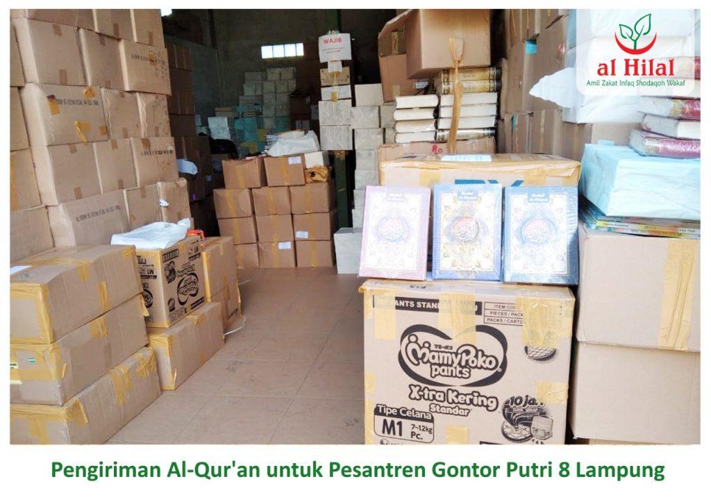 Pengiriman 250 Qur'an wakaf donatur Al Hilal. Untuk seluruh santri Gontor Putri 8 Lampung 2