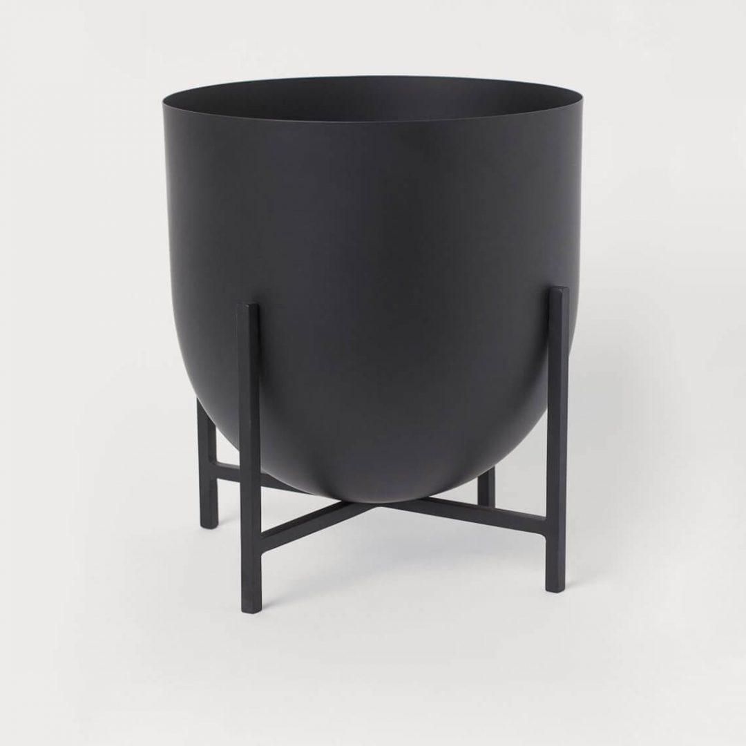 Large Pedestal Plant Pot 1