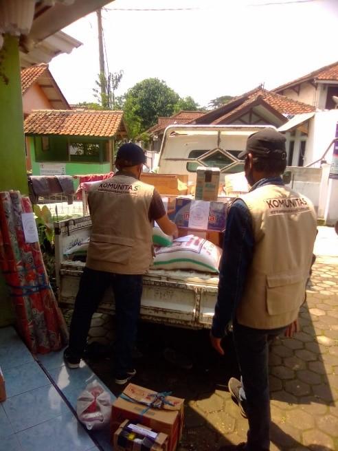 Komunitas Al Hilal Sumedang Sumbangkan Kebutuhan Pokok Untuk Korban Bencana 2
