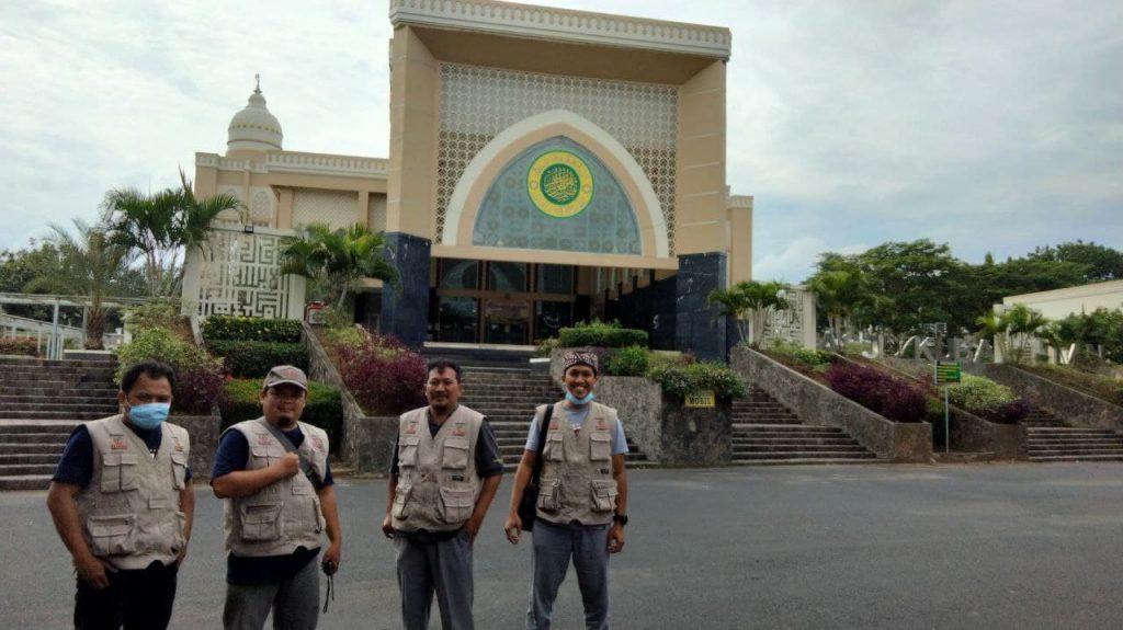 Tim Sebar Wakaf Quran sampai di Masjid Kubah Intan