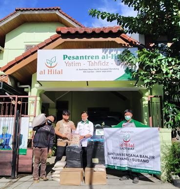 Persiapan Pemberangkatan Bantuan Bencana Banjir Karawang - Subang