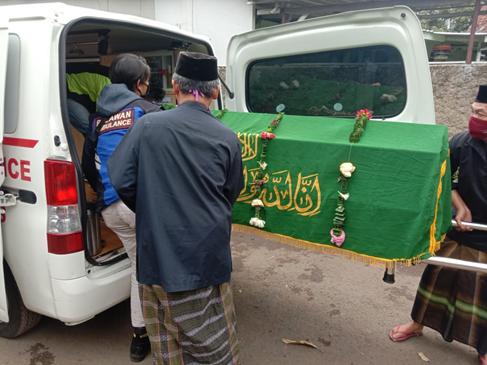Ambulance Gratis LAZISWAF Siap Antarkan Jenazah Dari Jalan Pahlawan menuju TPU Cikutra 1