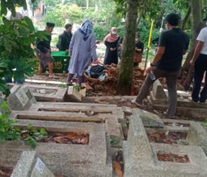 Ambulance Gratis LAZISWAF Siap Antarkan Jenazah Dari Jalan Pahlawan menuju TPU Cikutra 3
