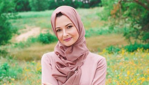Bangkit Dari Masa Lalu Kelam Kini Nicole Queen Menjadi Mualaf Dan Cinta Islam 1