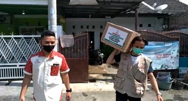 Laziswaf Al Hilal Membagikan Bingkisan Untuk Anak Yatim Santri Al Hilal, Cirebon 1