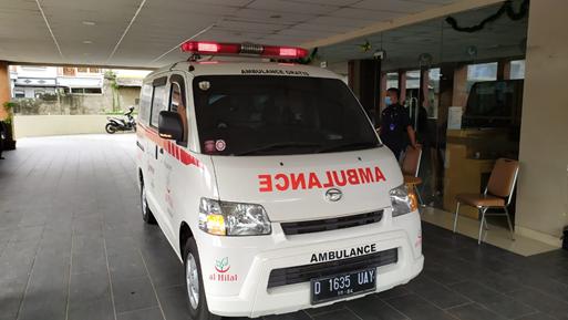 Pengantaran Pasien Serangan Struk Menjadi Operasional Pertama Ambulance Gratis Setelah Idul Fitri 1