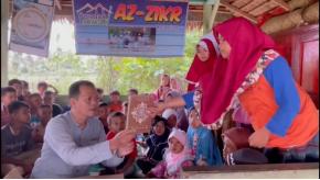 Kebahagiaan Santri Pondok Mengaji Az-Zikr Nagari Padang Pariaman Saat Menerima Wakaf Quran 2