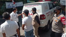 Apresiasi Warga Kecamatan Cinambo Dan Aparat Setempat Terhadap Operasional Ambulance Gratis LAZISWAF Al Hilal 9