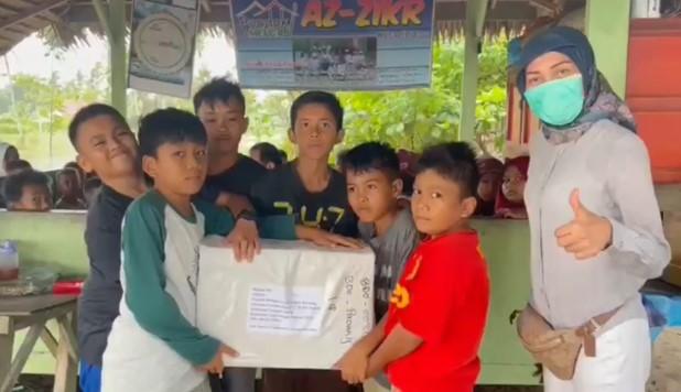 Al Quran untuk Santri Pondok Pesantren Az-Zikr Nagari Padang 2